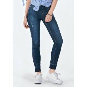 Calça Jeans Na Base Los Angeles Com Detalhe Na Barra