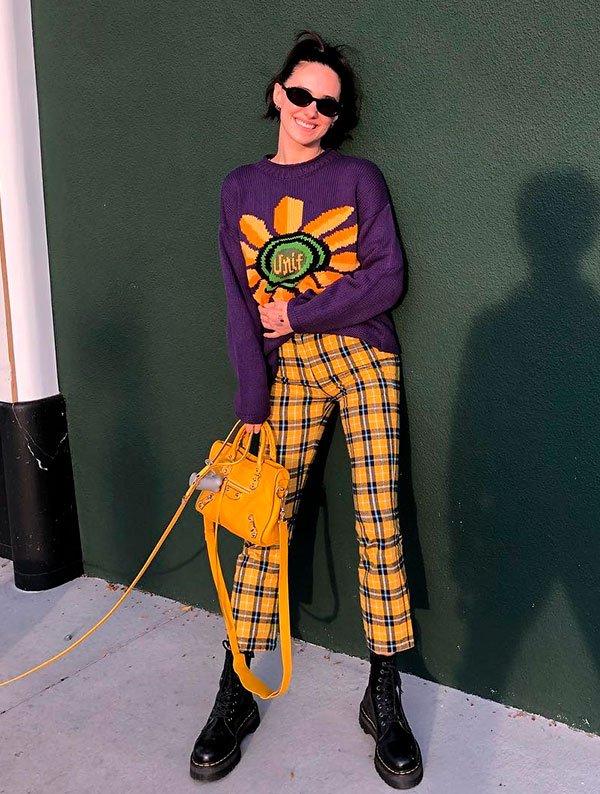 Devon Carlson - calça xadrez - calça xadrez - verão - street style