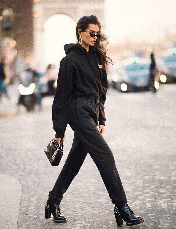 Gizele Oliveira - moletom-coturno-couro - moletom - inverno - street style