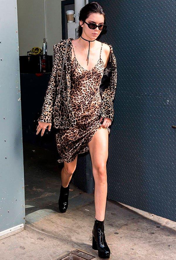 Kendall Jenner - oncinha - oncinha - verão - street style