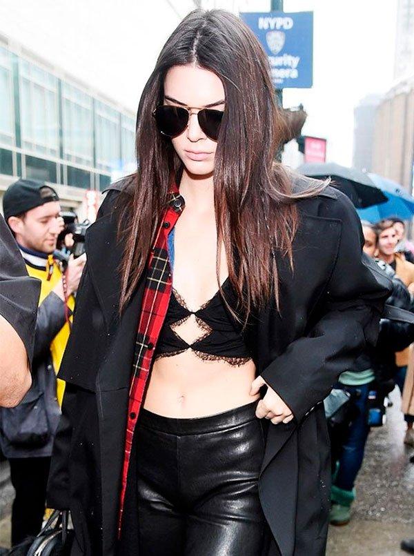 Kendall Jenner - sutia aparente - sutiã aparecendo - verao - street style