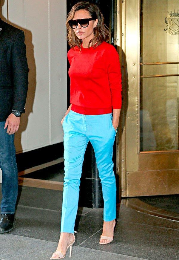 Victoria Beckham - calça azul - alfaiataria - verão - street style
