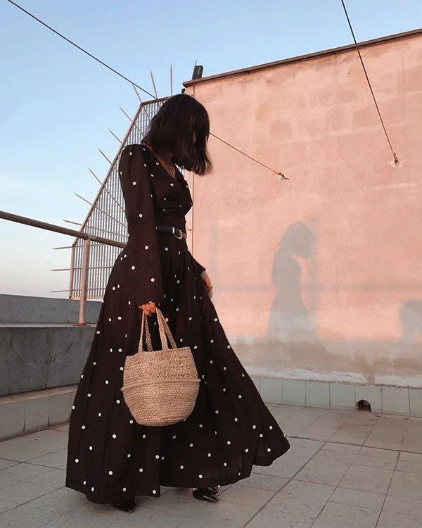 Maria Bernad - vestido-poa-longo-bolsa-palha - bolsa de palha - inverno - street style