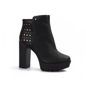 Ankle Boot  Tanara Couro Tachas Preta