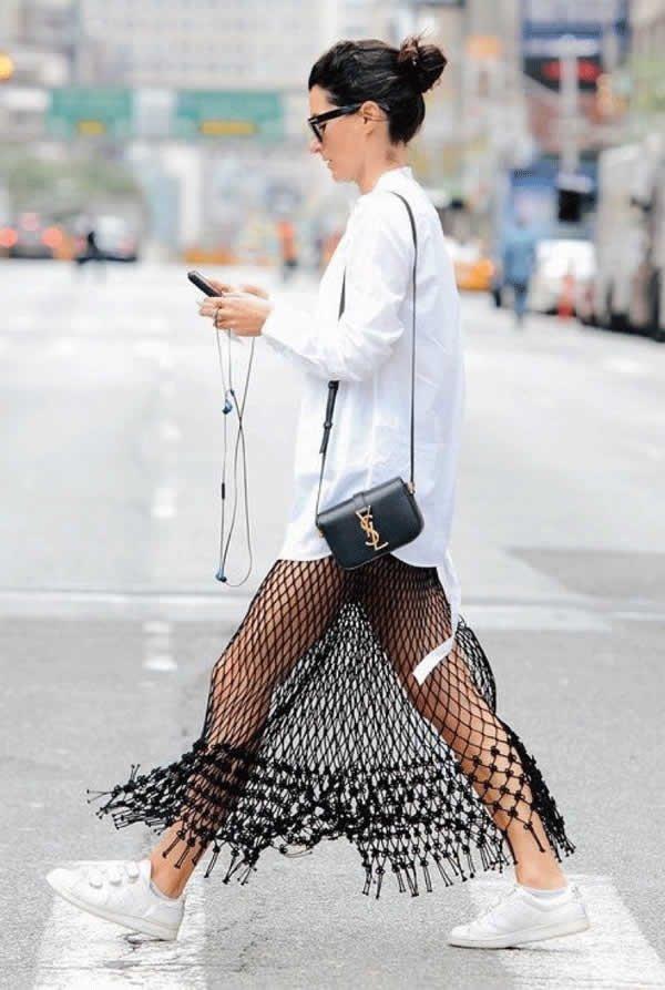 it girl - vestido-bordado-camisa-branca-tenis-branco - vestido  - meia estação - street style