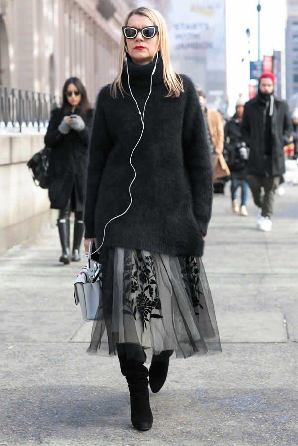 it girl - vestido-cinza-tule-malha-preta-bota-cano-alto - vestido  - meia estação - street style