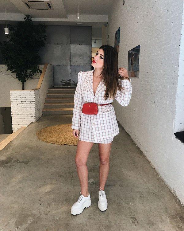 Aida Domenech - saia-blazer-xadrez-flatform-tratorado-branco - xadrez - meia estação - street style