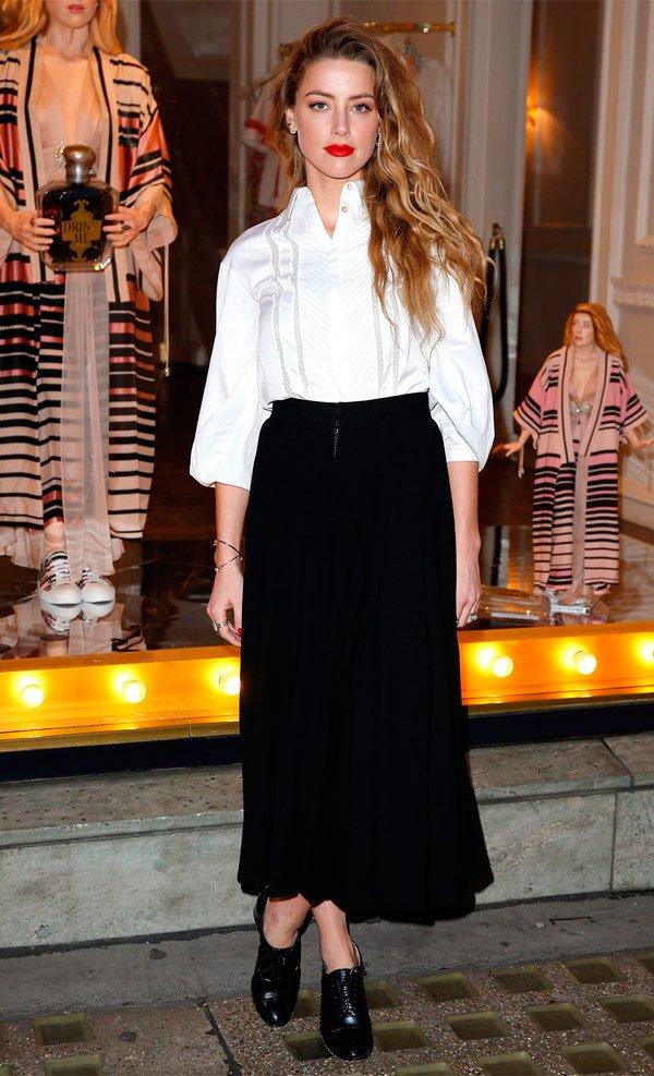 Amber Heard - camisa-branca-saia-midi-preta - saia midi - Meia Estação - Street Style