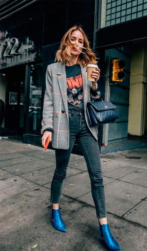 It Girl - blazer-xadrez-tshirt-vintage-calça-bota-azul - blazer xadrez - Meia Estação - Street Style