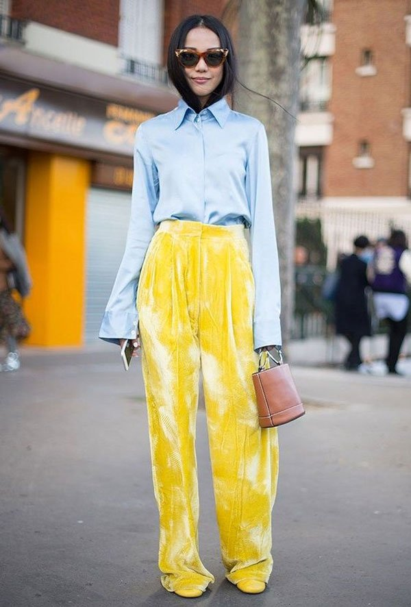 it girl - calca-amarela-camisa-azul - calça - meia estação - street style