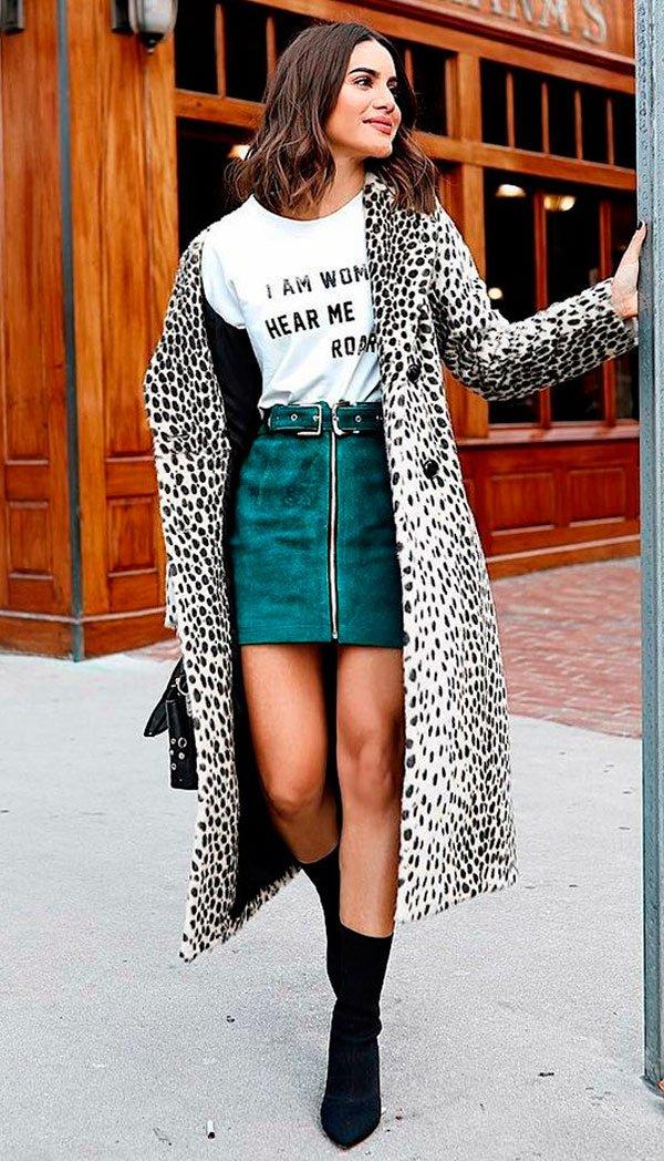 Camila Coelho - t-shirt-saia-look-sock-boots - Sock Boots - meia estação - street style