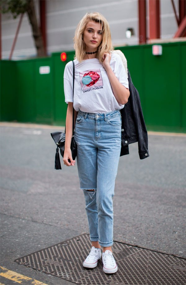 It Girl - calca-mom-jeans-camiseta-branca-estampa - camiseta - Meia Estação - Street Style