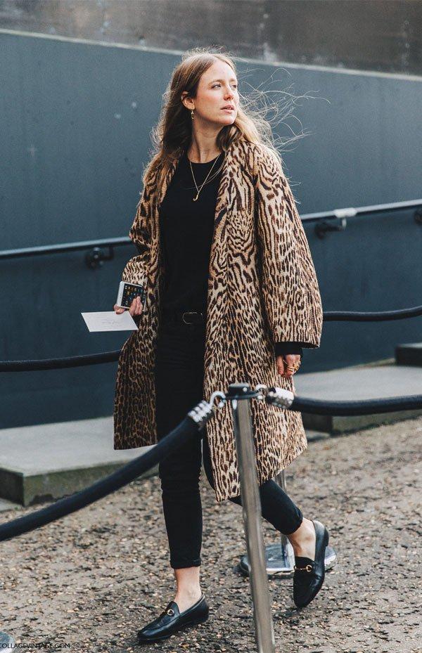 it girl - casaco-oncinha-calca-preta-mocassim-preto - casaco onça - meia estação - street style