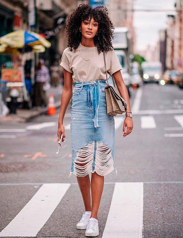 Cheyenne Maya - t-shirt-basica-saia-jeans-destroyed - saia jeans destroyed - verão - street style
