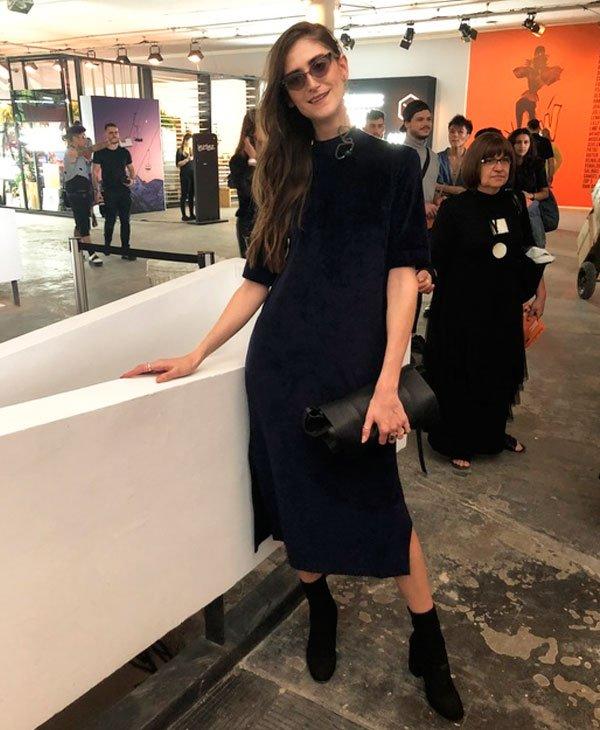 Daiane Conterato - vestido-veludo-bota-oculos - vestido veludo - verão - street style SPFW