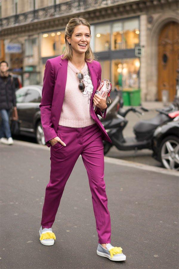 Helena Bordon - blazer-rosa-calça-rosa-sueter-tenis - conjunto - Meia Estação - Street Style