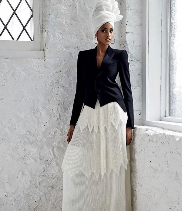 Imaan Hammam - blazer-saia-longa-turbante - saia longa - meia estação - street style