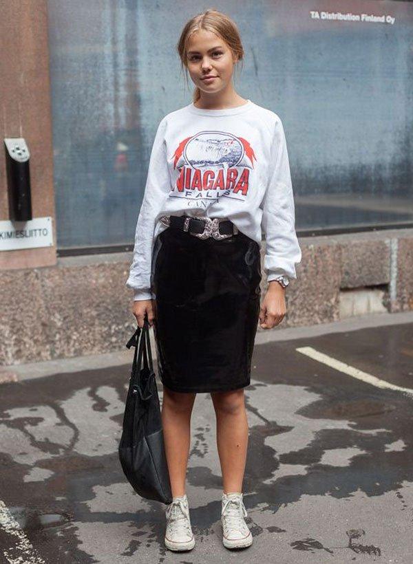 it girl - moletom-saia-couro-tenis - moletom - meia estação - street style
