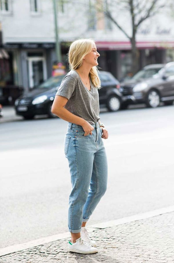 it girl - t-shirt-mom-jeans - mom jeans - meia estação - street style