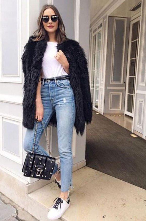 it girl - t-shirt-branca-calça-jeans-faux-fur - faux fur - inverno - street style