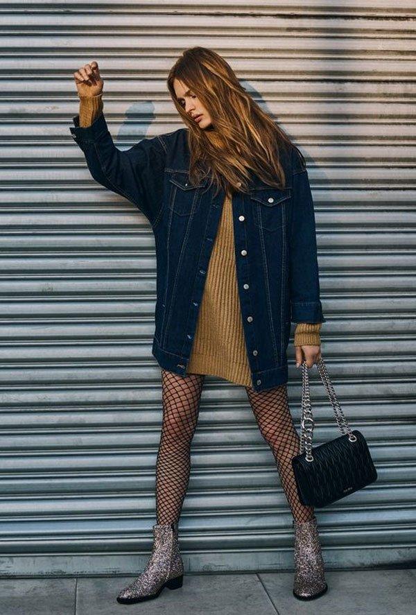 it-girl - sueter-oversized-vestido-jaqueta-jeans-meia-arrastão - meia-arrastão - inverno - street style