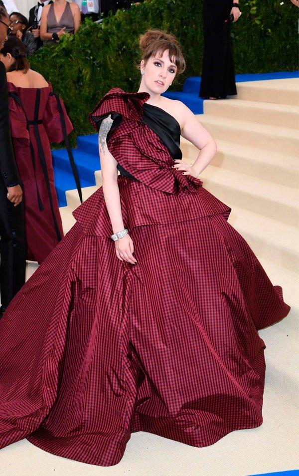 Lena Dunham - vestido-longo-xadrez-vinho - vestido - Meia Estação - Street Style