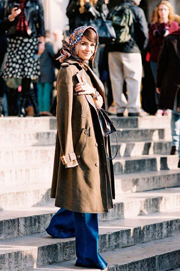 Miroslava Duma - overcoat-calça-jeans-flare-lenco - lenço - outono - Street Style
