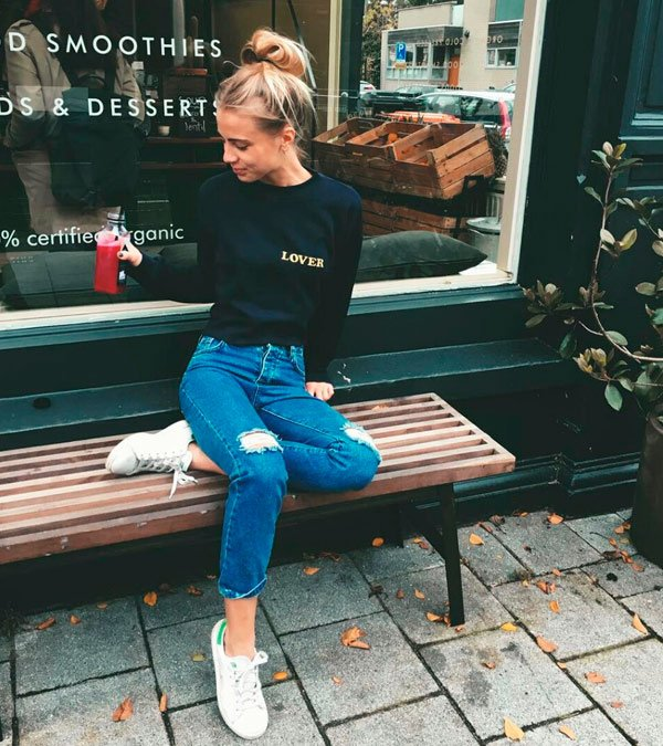 it-girl - moletom-calca-jeans-destroyed-look - tênis - inverno - street style