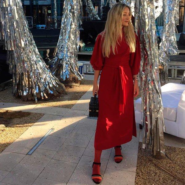 It Girl - vestido-vermelho-meia-vermelha-sandalia - vestido - outono - Street Style