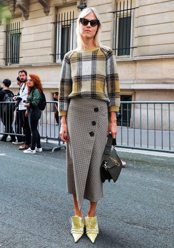 It Girl - sueter-escoces-saia-xadrez-sapato-amarelo - saia xadrez - outono - Street Style