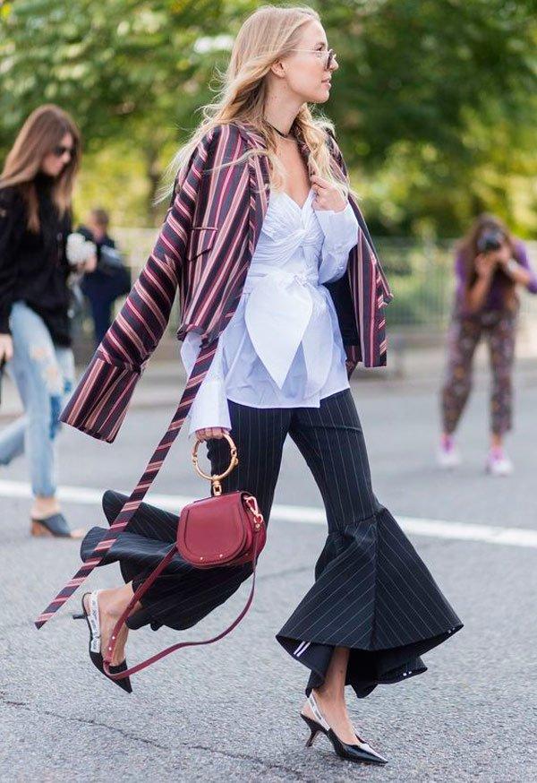 It Girl - sling-back-dior-calça-babado-blazer-listra - sling back - Meia Estação - Street Style