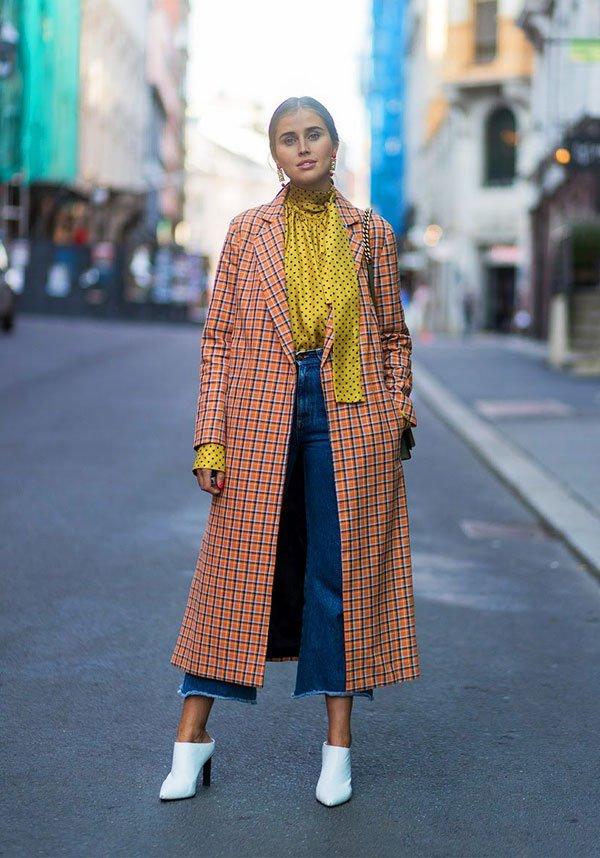 it girl - casaco-xadrez-calca-jeanssapato-branco - casaco xadrez - meia estação - street style