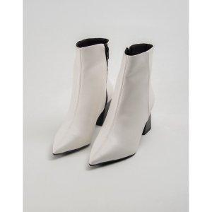 Bota Bico Fino Branco Tamanho: 39 - Cor: Branco
