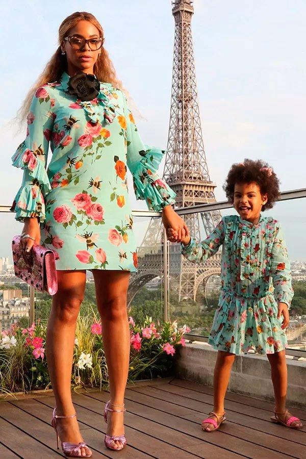 Beyoncé e Blue Ivy - vestido-floral-look-sandalia - vestido floral  - verão - street style