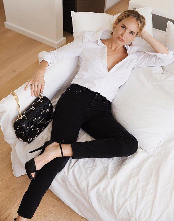 Brooke Testoni - calça-preta-camisa-branca - calça-preta - meia estação - street style