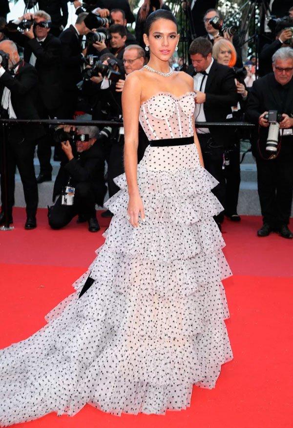 Bruna Marquezine veste Philosophy di Lorenzo - vestido-poá - vestido-poa-look - verão - Festival de Cannes 2018