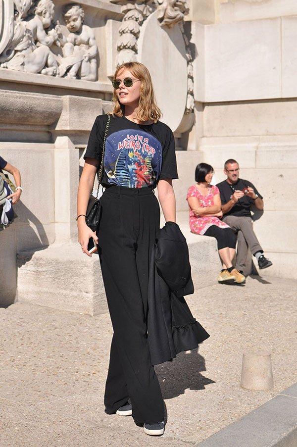 it girl - tshirt-vintage-calca-pantalona-preta-sapato - preto - inverno - street style