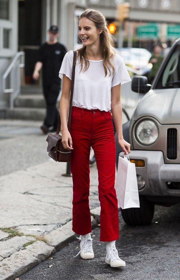 it girl - calca-vermelha-all-star-preto-camiseta-branca - all star - inverno - street style