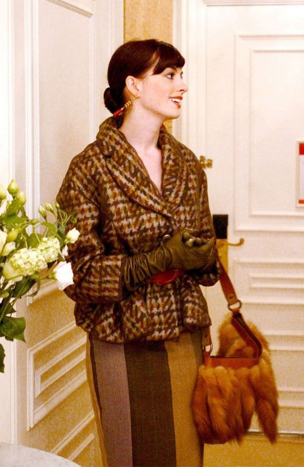 Anne Hathaway - casaco-bege-saia-marrom-luvas - casaco - meia estação - street style