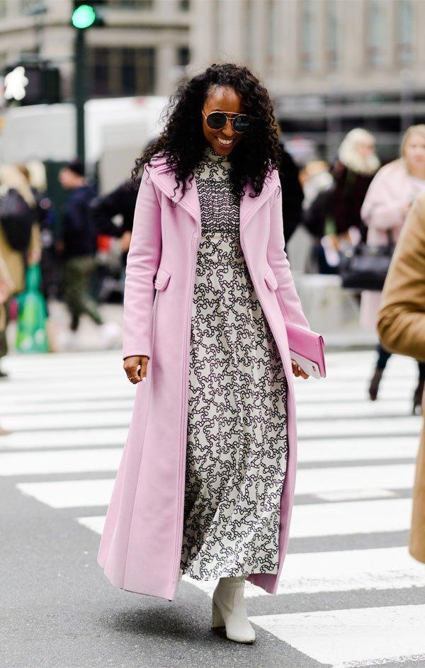 it girl - casaco-rosa-vestido-estampado - candy color - inverno - street style