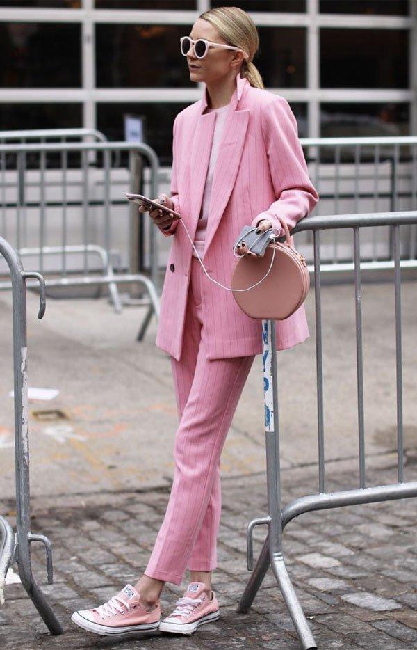 it girl - calca-rosa-blazer-rosa-tenis-rosa - casaco - meia estação - street style