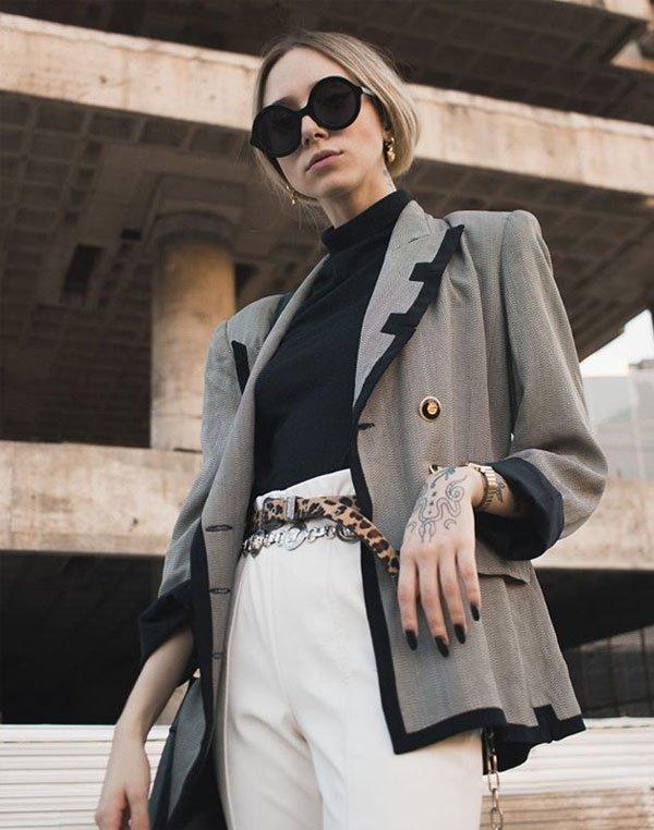 Gabriela Kassis - calça-branca-turtleneck-preta-blazer - turtleneck - inverno - office-look