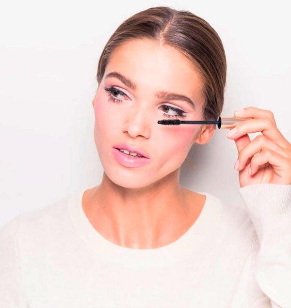 Hannah Baxter Para Coverteur - maquiagem-drapping-blush-beleza - drapping blush - verão - estúdio