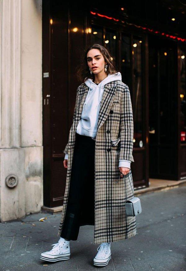 it-girl - moletom-calça-casaco-tenis - tênis - inverno - street style