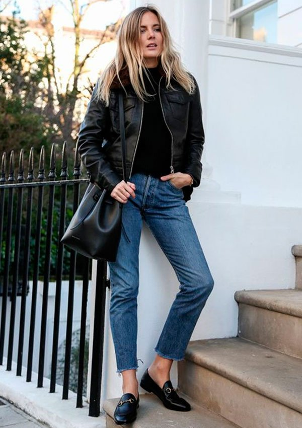it-girl - tricot-calca-jeans-jaqueta-couro-bucket-bag - bucket bag - inverno - street style
