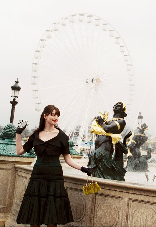 Anne Hathaway - vestido-preto-midi - vestido  - meia estação - street style