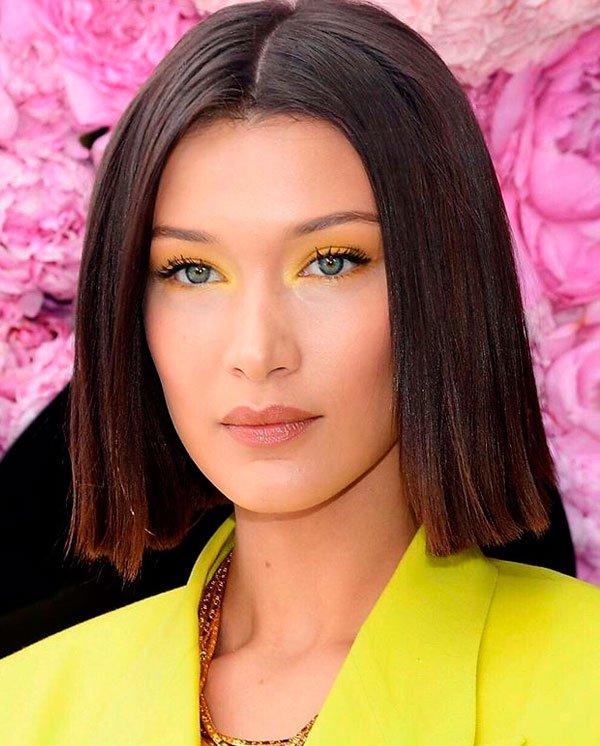 Bella Hadid/Reprodução - bella-hadid-maquiagem-amarela-beleza - sombra amarela - verão - evento