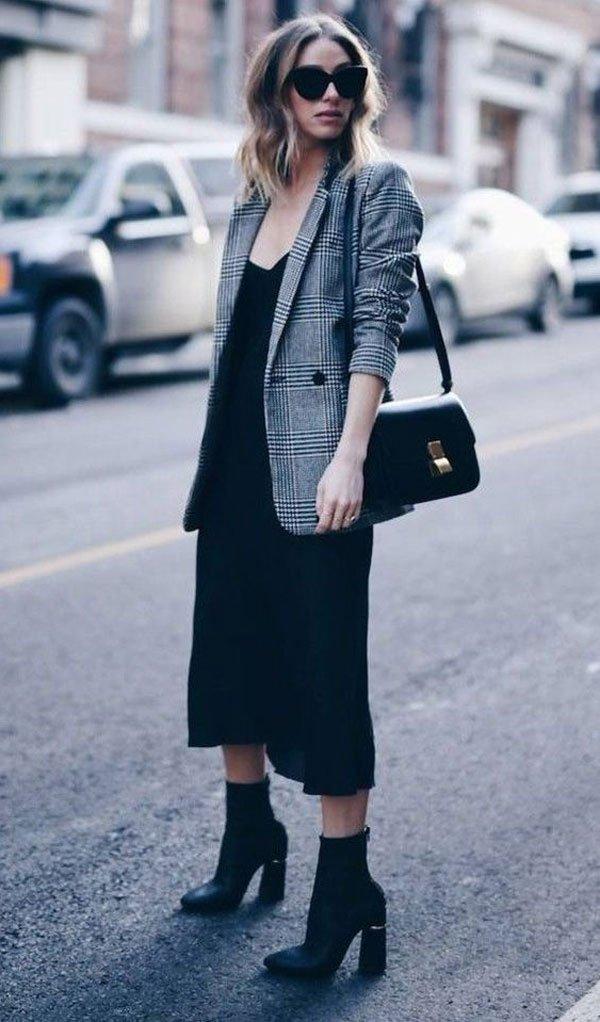 it-girl - vestido-preto-blazer-xadrez-bota - blazer xadrez - inverno - street style
