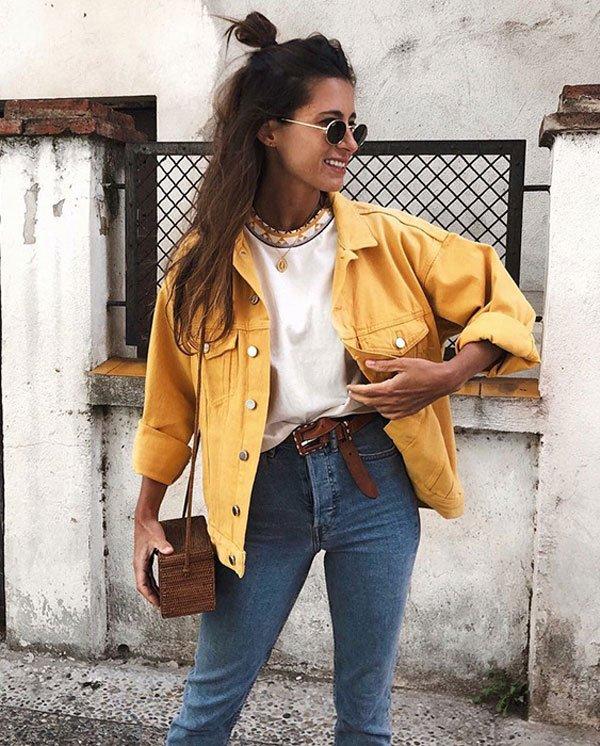 it-girl - blusa-branca-jaqueta-amarela-calça-jeans - jaqueta-amarela - inverno - street style