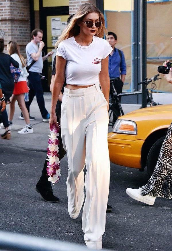 it girl - calca-pantalona-brnaca-camiseta-branca - calça de alfaiataria - inverno - street style